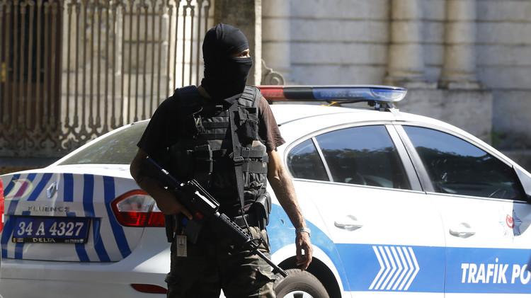 الشرطة التركية تلقي القبض على العشرات في أعقاب الهجوم على دولما باهجة