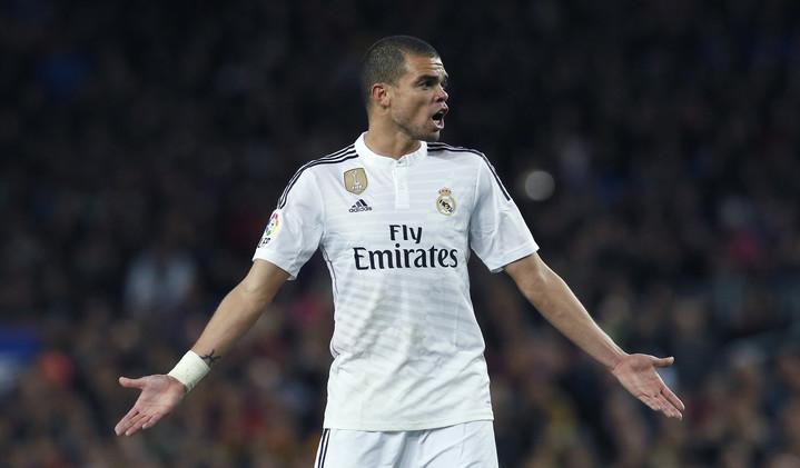 ريال مدريد يمدد عقد بيبي حتى 2017