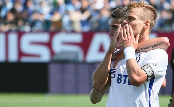 (فيديو)  كوكورين يكرر نطحة زيدان الشهيرة في الدوري الروسي