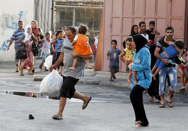 مخيم عين الحلوة يستيقظ على أزيز الرصاص بعد مقتل 3