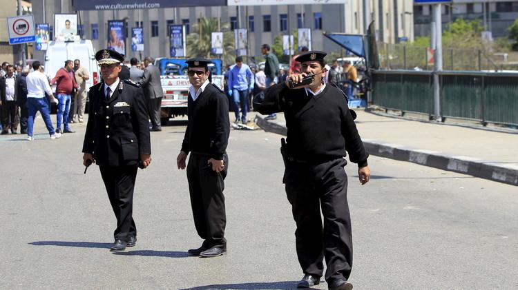 مصر.. مقتل 3 عناصر من الأمن وإصابة 33 آخرين بهجوم في البحيرة