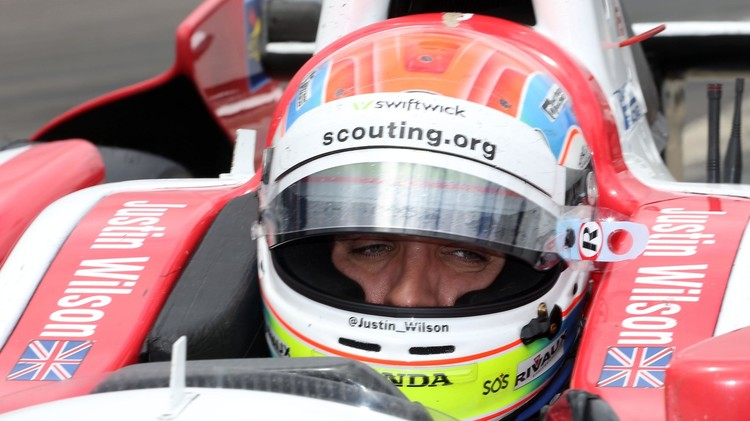وفاة السائق البريطاني غاستن ويلسون في سباقات أندي كار(فيديو)