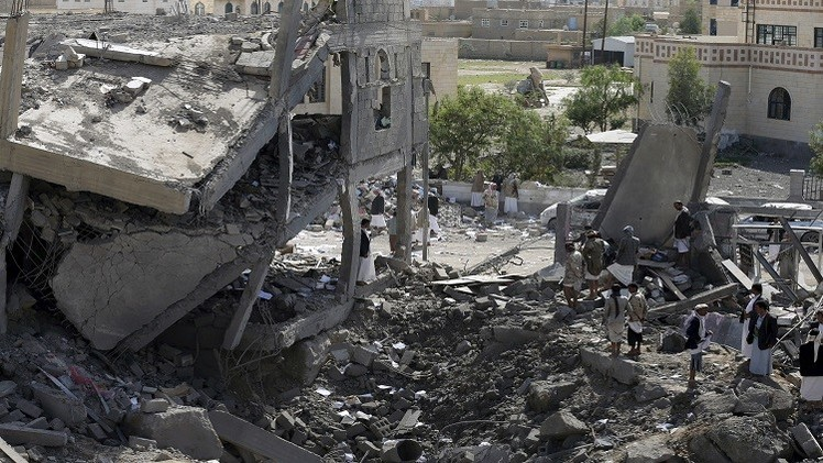 توغل بري سعودي في شمال اليمن وقصف مواقع للحوثيين بصنعاء والحديدة