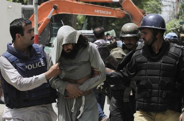 طالبان الباكستانية:  مقتل اثنين من قادتنا بالسم أثناء احتجازهما