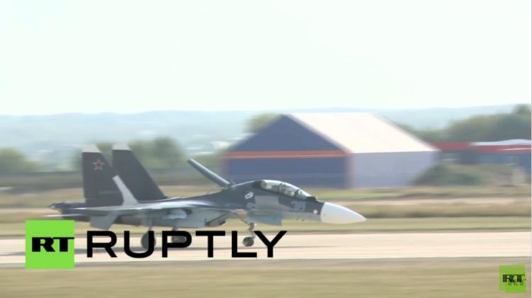 طائرات ومروحيات روسية تثير إعجاب زوار معرض