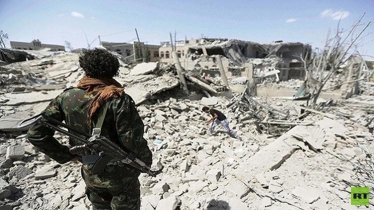 هادي: الحرب تهدف إلى إيقاف التوسع الإيراني.. وغارة للتحالف تقتل 30 مدنيا في حجة