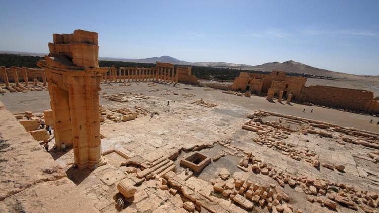 داعش يدمر جزءا من معبد
