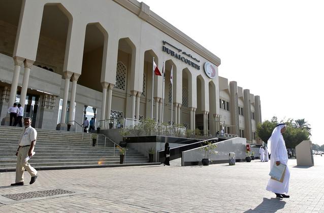 عامل آسيوي يقتل زميله حرقا في دبي