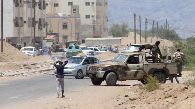 اليمن.. اللجان الشعبية تسيطر على معظم أجزاء قاعدة العند والتحالف ينشر آلاف الجنود