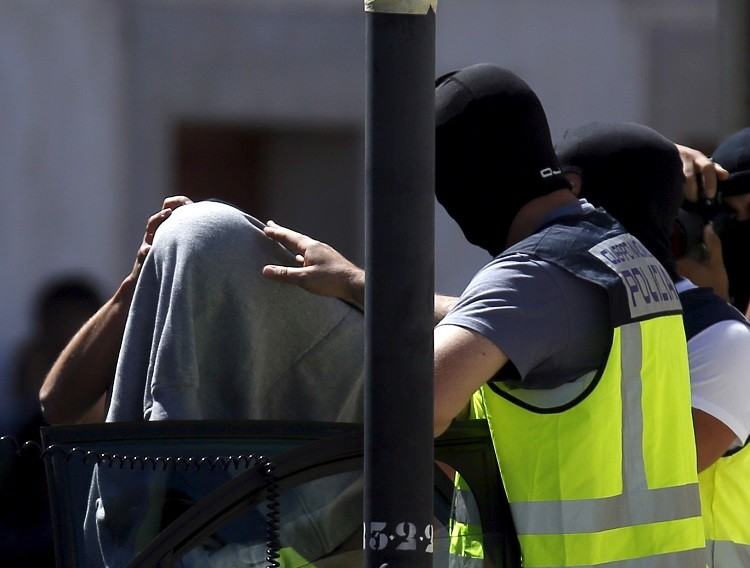 أجهزة الأمن الإسبانية تعتقل أحد أفراد الشبكة الإرهابية