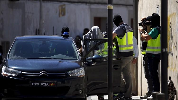 توقيف 14 شخصا في عملية أمنية إسبانية مغربية (فيديو)