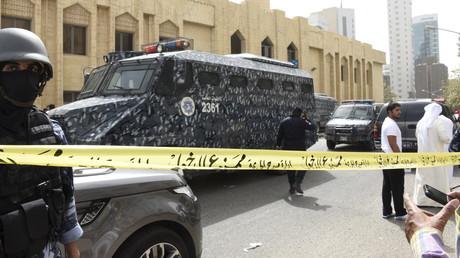 الشرطة تطوق مسجد الإمام الصادق بعد التفجير