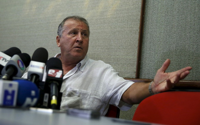 زيكو يدعو المرشحين لرئاسة الفيفا إلى مناقشة الإصلاحات قبل الانتخابات