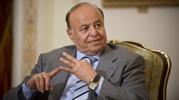 هادي يطلب من التحالف العربي تكثيف ضرباته على تعز