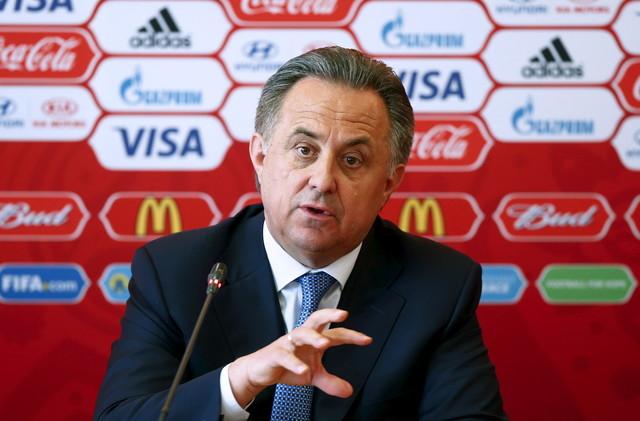 روسيا.. وزير الرياضة يتولى رئاسة اتحاد كرة القدم