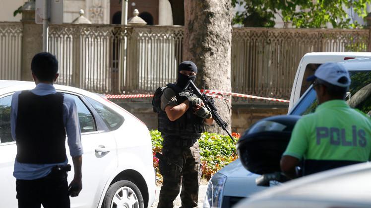 مقتل 4 من ضباط الشرطة بتفجير في تركيا