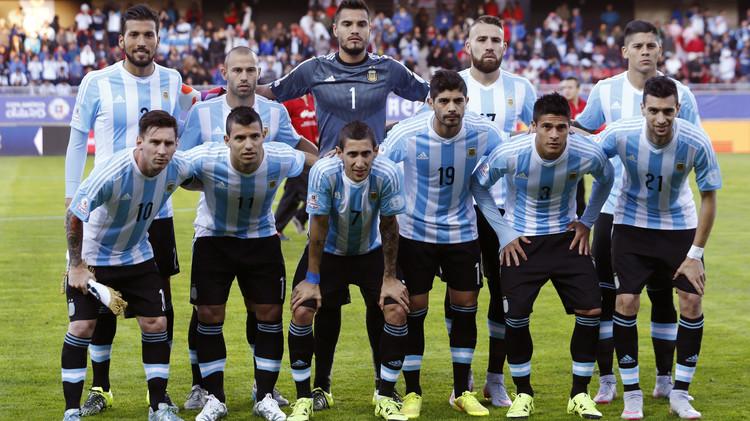 الأرجنتين تحتفظ بصدارة التصنيف الدولي لكرة القدم