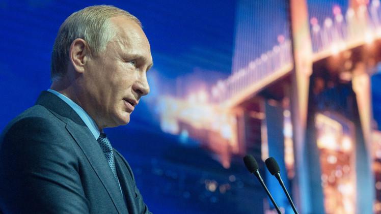 بوتين: روسيا تبذل قصارى جهدها لترسيخ الحقيقة حول الحرب الوطنية العظمى