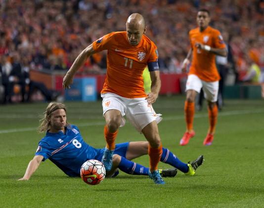 روبن يغيب عن مباراة هولندا أمام تركيا في التصفيات الأوروبية