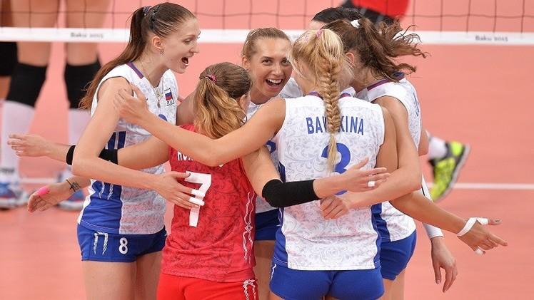 روسيا تفوز على أمريكا وتستعيد الصدارة في كأس العالم للكرة الطائرة
