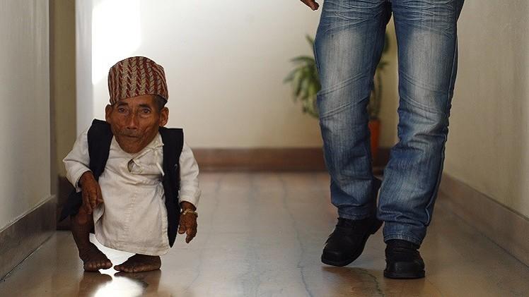 وفاة أقصر إنسان في العالم عن عمر ناهز 76 عاما