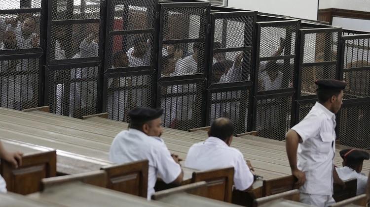 مصر.. النيابة العامةتحيل 38 عنصرا من الإخوان إلى محكمة عسكرية