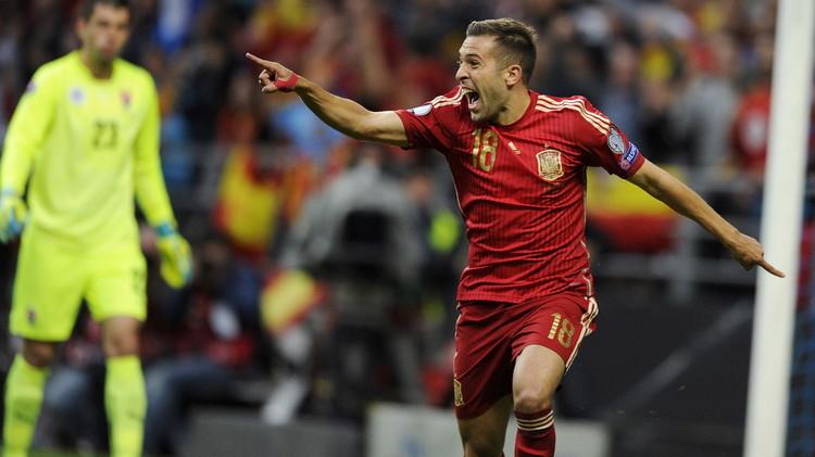 إسبانيا تطيح بسلوفاكيا وتتصدر مجموعتها في تصفيات اليورو