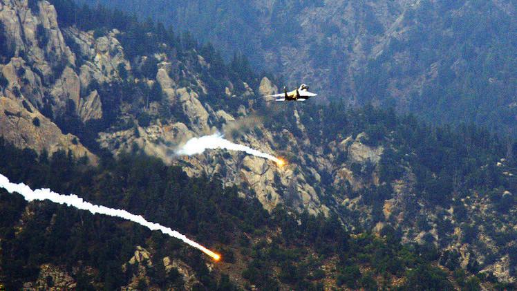 طيران القوات الدولية يقتل 17 شرطيا أفغانيا عن طريق الخطأ