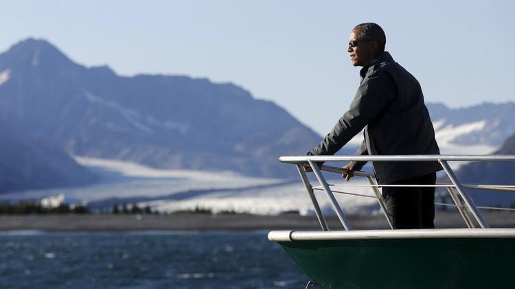 على متن كاسحات نووية.. أوباما يلاحق بوتين إلى القطب الشمالي