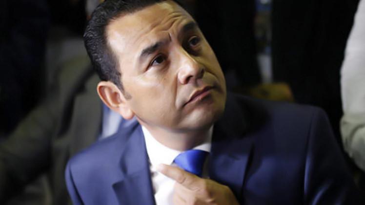 ممثل كوميدي يفوز بالجولة الأولى لانتخابات الرئاسة في غواتيمالا