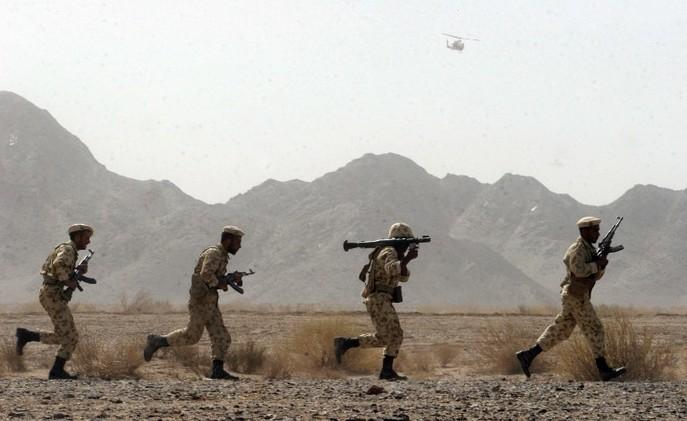 إيران.. مقتل 4 أشخاص باشتباكات بين الحرس الثوري والأكراد