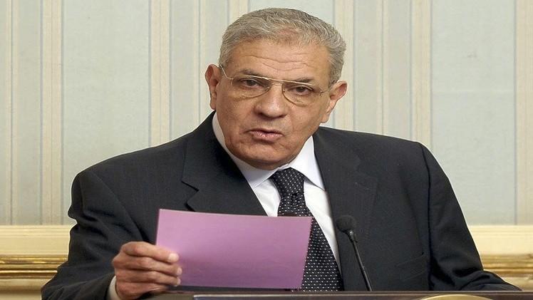 القاهرة تبرر انسحاب رئيس الحكومة المفاجئ من مؤتمر صحفي بتونس