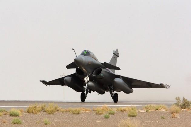 فرنسا تنفذ ثاني تحليق استطلاعي في سوريا