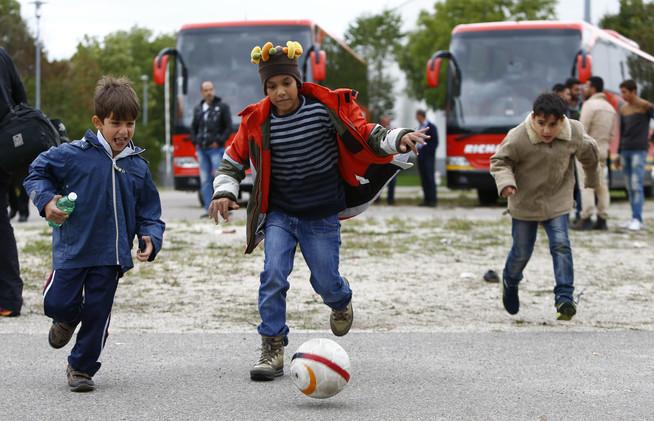 حملة رياضية أوروبية ضخمة لدعم اللاجئين