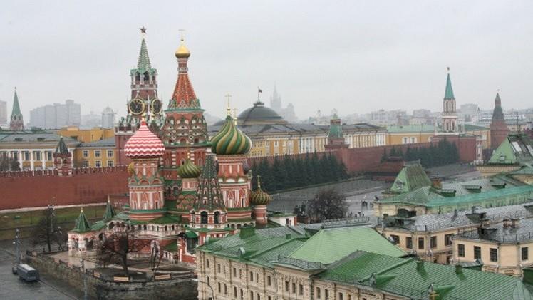 موسكو تنفي تعزيز وجودها العسكري بسوريا وتؤكد دعمها لدمشق في مكافحة الإرهاب