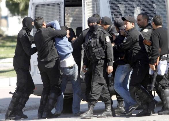 تونس.. الداخلية  تنشر صور 16 مطلوبا بتهم إرهابية