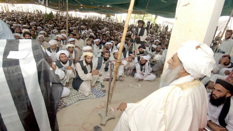 زعيم طالبان يوفد مبعوثا إلى الشرق الأوسط لإقناع أتباعه بمبايعته