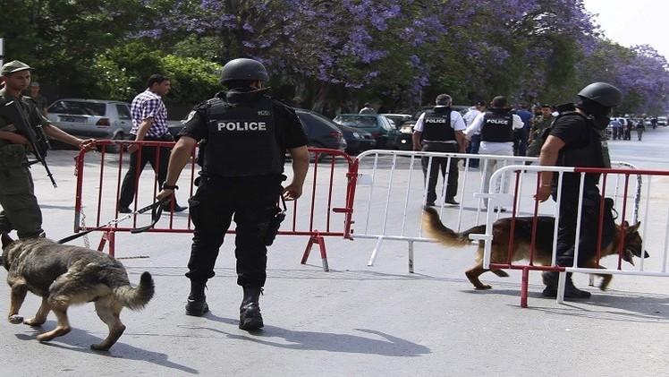 رغم رفض وزارة الداخلية.. التونسيون يتظاهرون ضد قانون المصالحة
