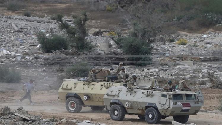 مصر.. مقتل جنديين و64 مسلحا في سيناء