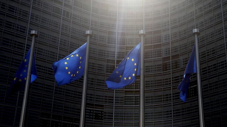 الاتحاد الأوروبي يمدد رسميا قائمته