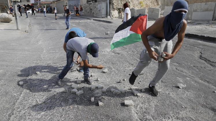 مقتل إسرائيلي بحادث سير بعد رشق مجهول لسيارته بحجارة في القدس