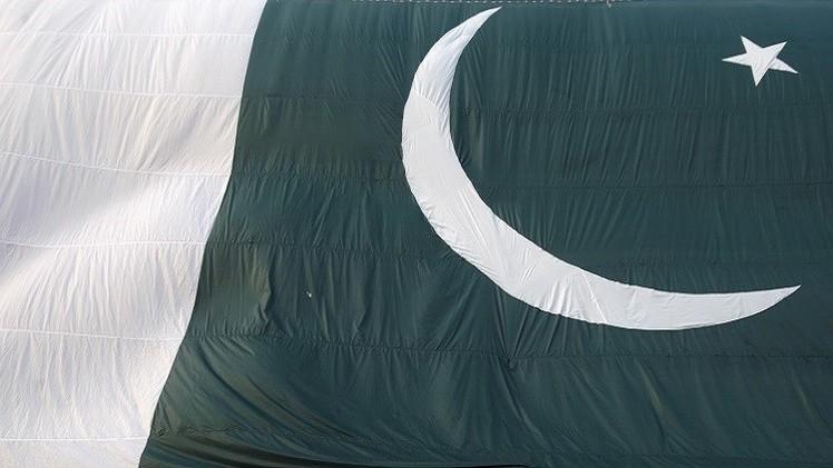 باكستان تحظر إعلانا خليعا عن