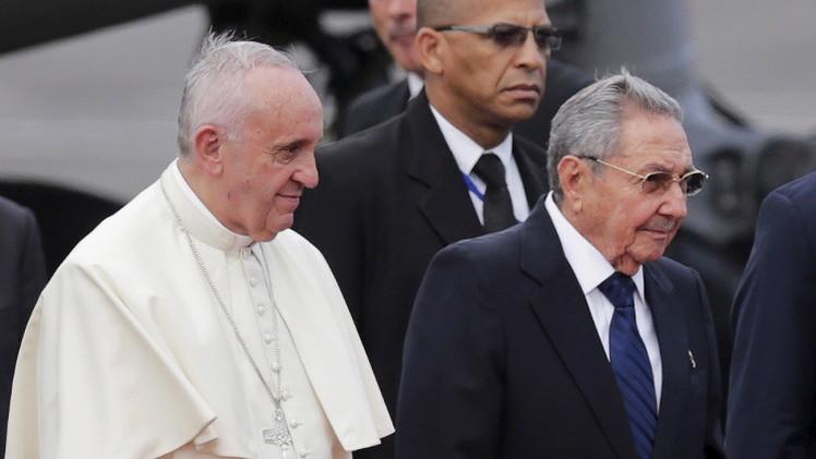 بابا الفاتيكان: التقارب الأمريكي الكوبي قد يصبح نموذجا للمصالحة في العالم