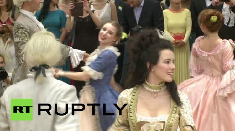 فيديو.. إحياء ذكرى الإمبراطورة الروسية كاثرين الثانية في موسكو