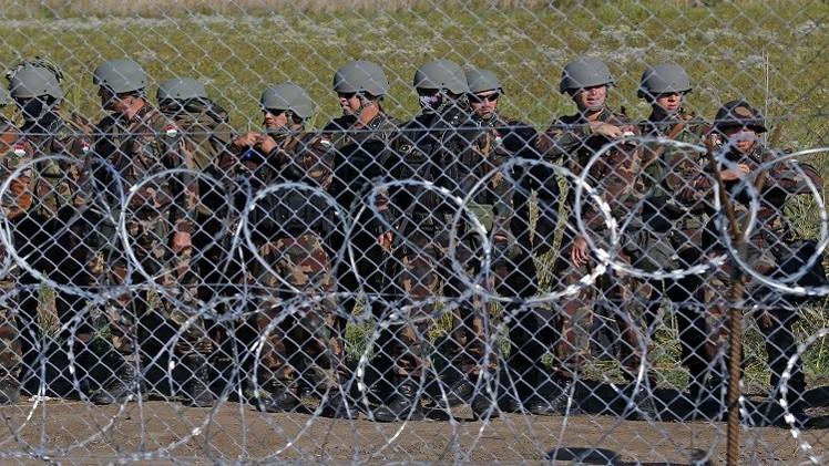 هنغاريا تستقبل اللاجئين بالرصاص وميركل تستنجد بواشنطن