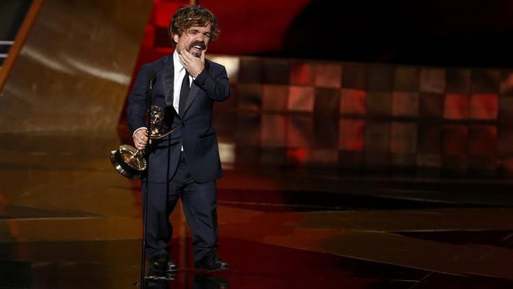 الممثل بيتر دينكلينج يحصل على جائزة