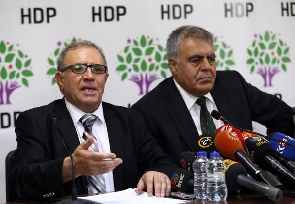 تركيا.. استقالة وزيرين مواليين للأكراد من الحكومة