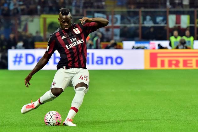 ميلان يهزم أودينيزي بصعوبة في الدوري الإيطالي