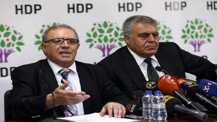 تركيا.. أوغلو يستبدل الوزيرين المستقيلين في الحكومة