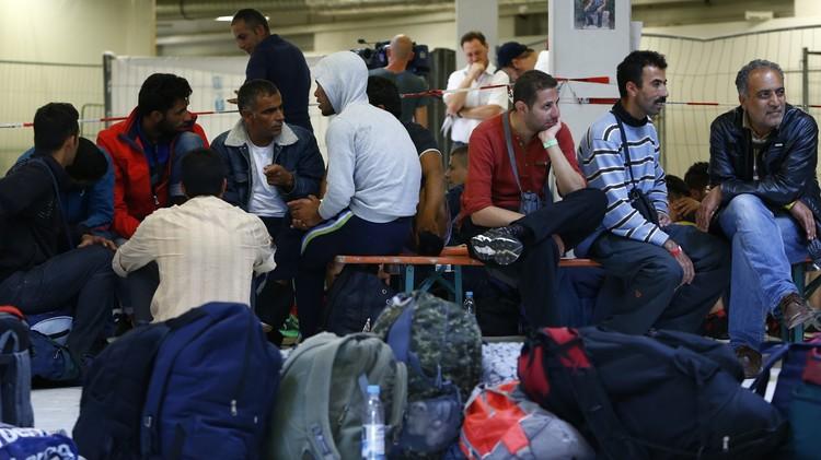 الاستخبارات الألمانية: المتطرفون يجندون اللاجئين